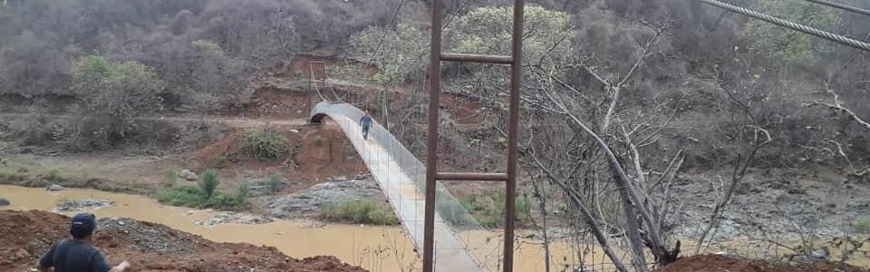 SE REALIZO LA CONSTRUCCION DE LA PASARELA EN LA COMUNIDAD DE  MANGO PINZA